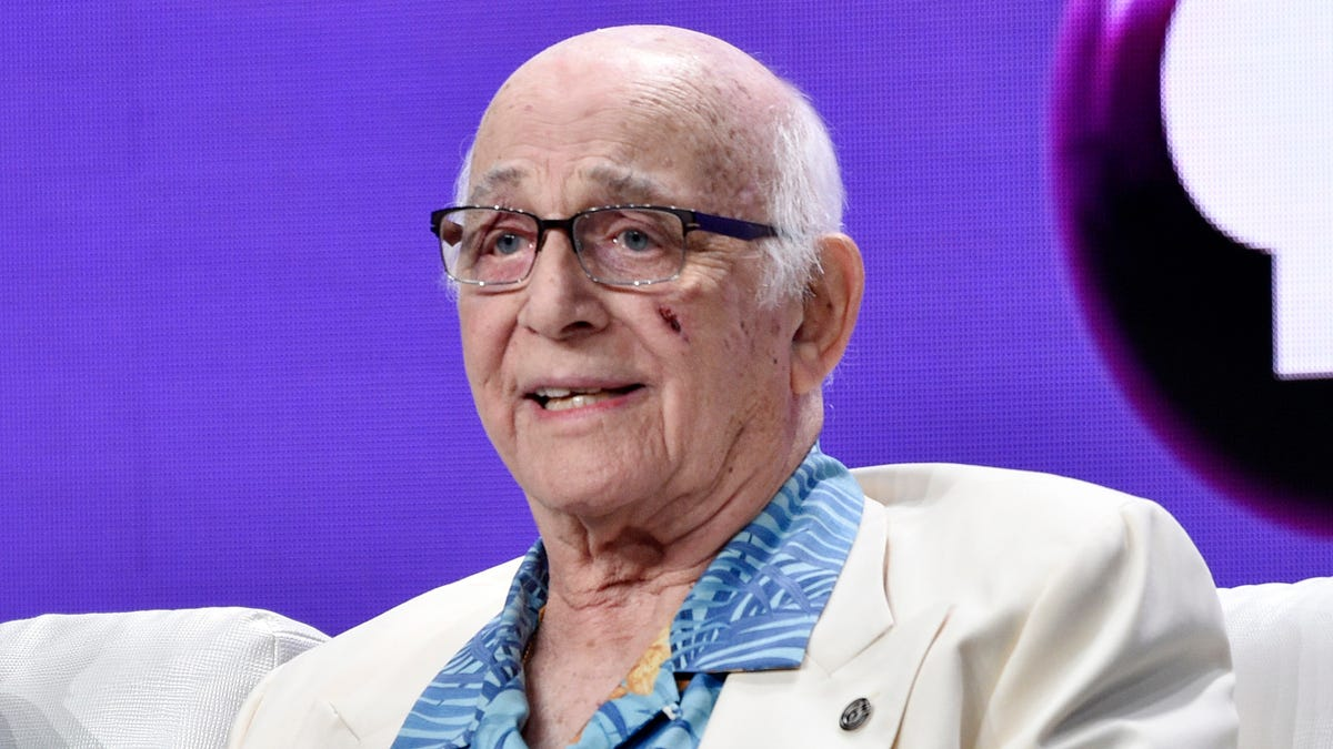 Gavin MacLeod, 'Love Boat' captain, dies at 90 1