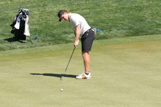ASU golfer Mason Anderson putts at the 2021 NCAA Championships at Grayhawk Golf Club in Scottsdale.