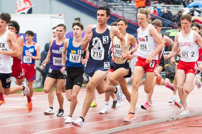 Greencastle-Antrim's Weber Long (215) and Hatboro Horsham's Devon Comber (224) competes in the 3A boys' 3200m run at the PIAA track and field championships at Shippensburg University on Saturday, May 29, 2021.