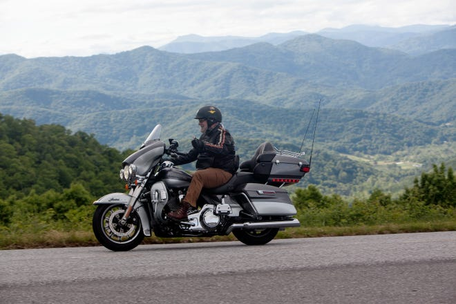 Motorists travel on the Blue Ridge Parkway during Memorial Day weekend May 30, 2021.