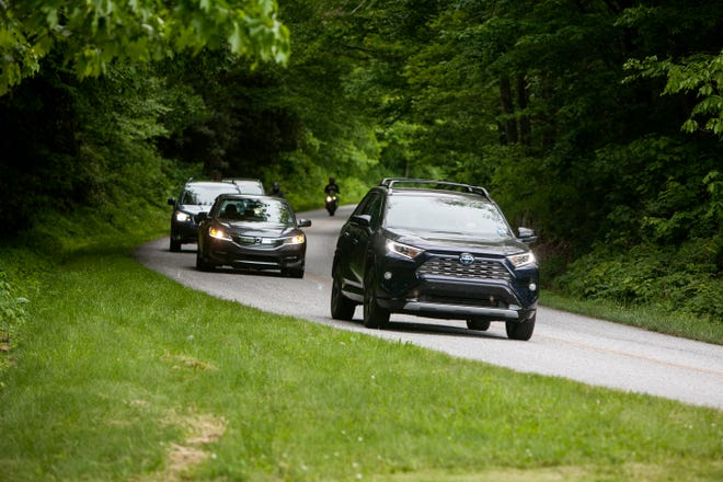 Motorists travel on the Blue Ridge Parkway during Memorial Day weekend May 30, 2021. As of Aug. 16, face masks are required indoors and in crowded outdoor spaces at all national parks, including the parkway.