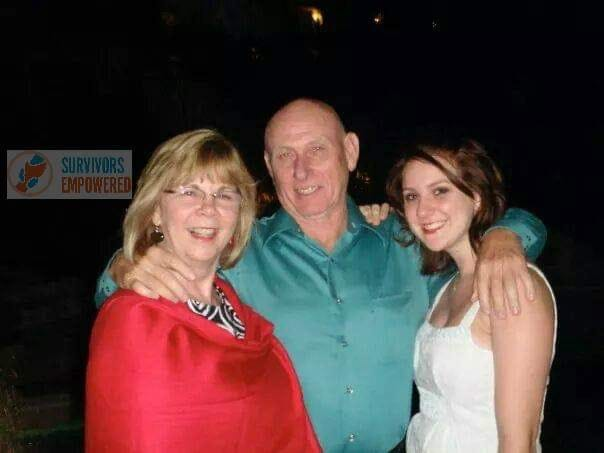 Sandy Phillips, Lonnie Phillips and daughter Jessica Redfield Ghawi in Mexico in 2009.