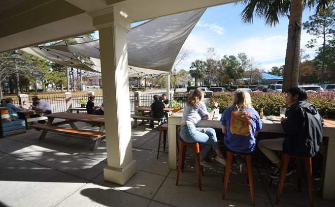 Blue Surf Cafe at 250 Racine Dr. in Wilmington in 2019. [STARNEWS FILE PHOTO]