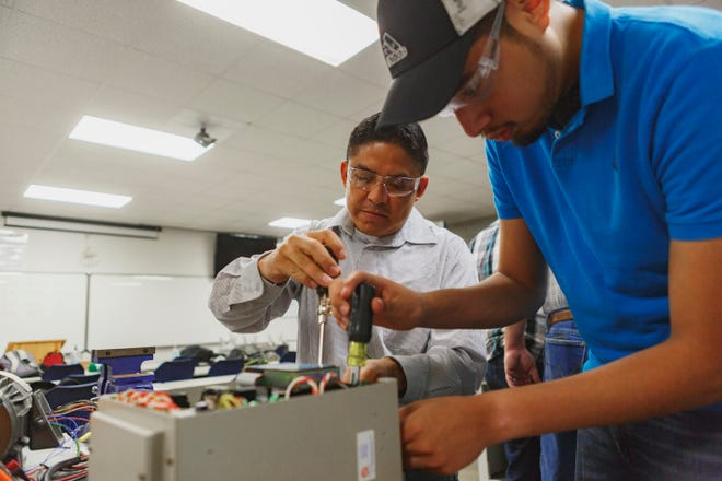 Texas State Technical College offers an Associate of Applied Science degree in Precision Machining Technology or a certificate of completion in Machining.