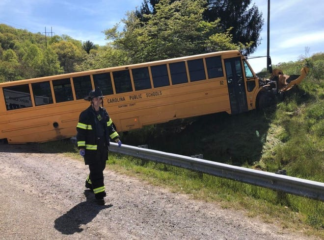 No students were seriously injured in this bus wreck April 26, 2021, but the driver did sustain serious injuries. The wreck occurred in the Porter Cove area at exit 55 of I-40, in eastern Buncombe County.
