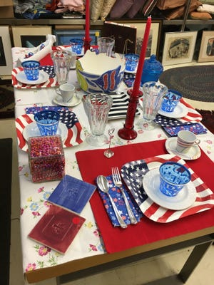 Holiday table at Council Re|Sale