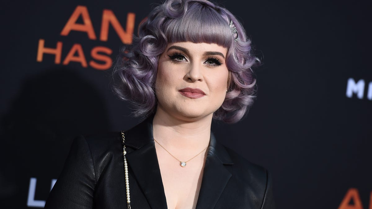 Kelly Osbourne opens up about drug and alcohol addictions 2