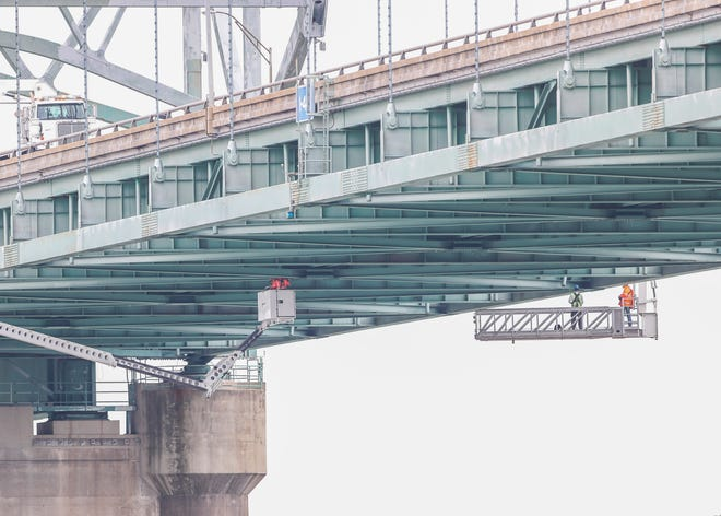 The Hernando de Soto bridge, closed since mid-May, now has a timeline to reopen to traffic, the Tennessee Department of Transportation says.