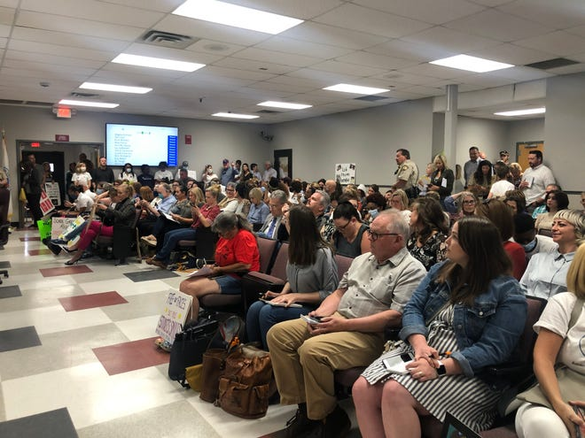 At least 100 Williamson Community members gathered at the local school district's May Board of Education meeting, leaving only standing room for many attendees. Several made public comment on their opposition of critical race theory in local schools, while others spoke on their support of local diversity and inclusion efforts.