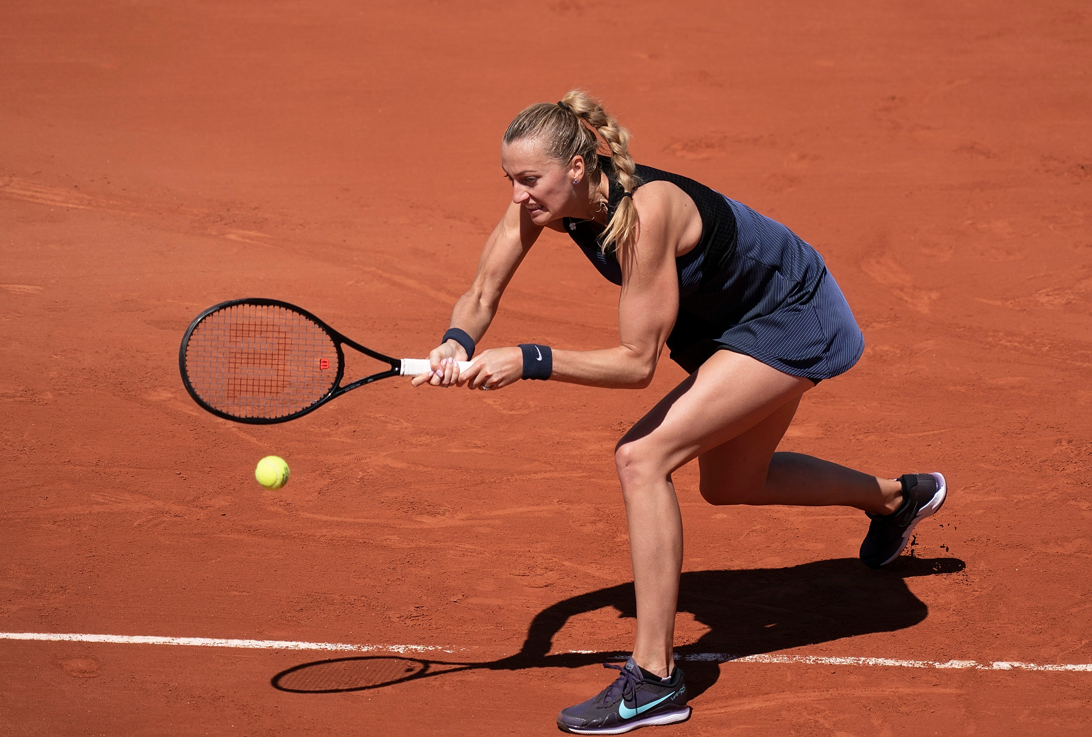 Petra Kvitová suffers ankle injury during media requirements, withdraws from French Open