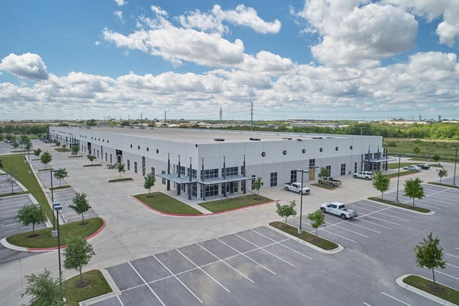 Dallas-based MohrCapital has sold MetCenter Building III, a last-mile distribution facility in Southeast Austin occupied by Amazon, to Four Springs Capital Trust, a real estate investment trust based in Lake Como, N.J.  The sale included the 160,000- square- foot building and adjacent 20-acre parking lot.