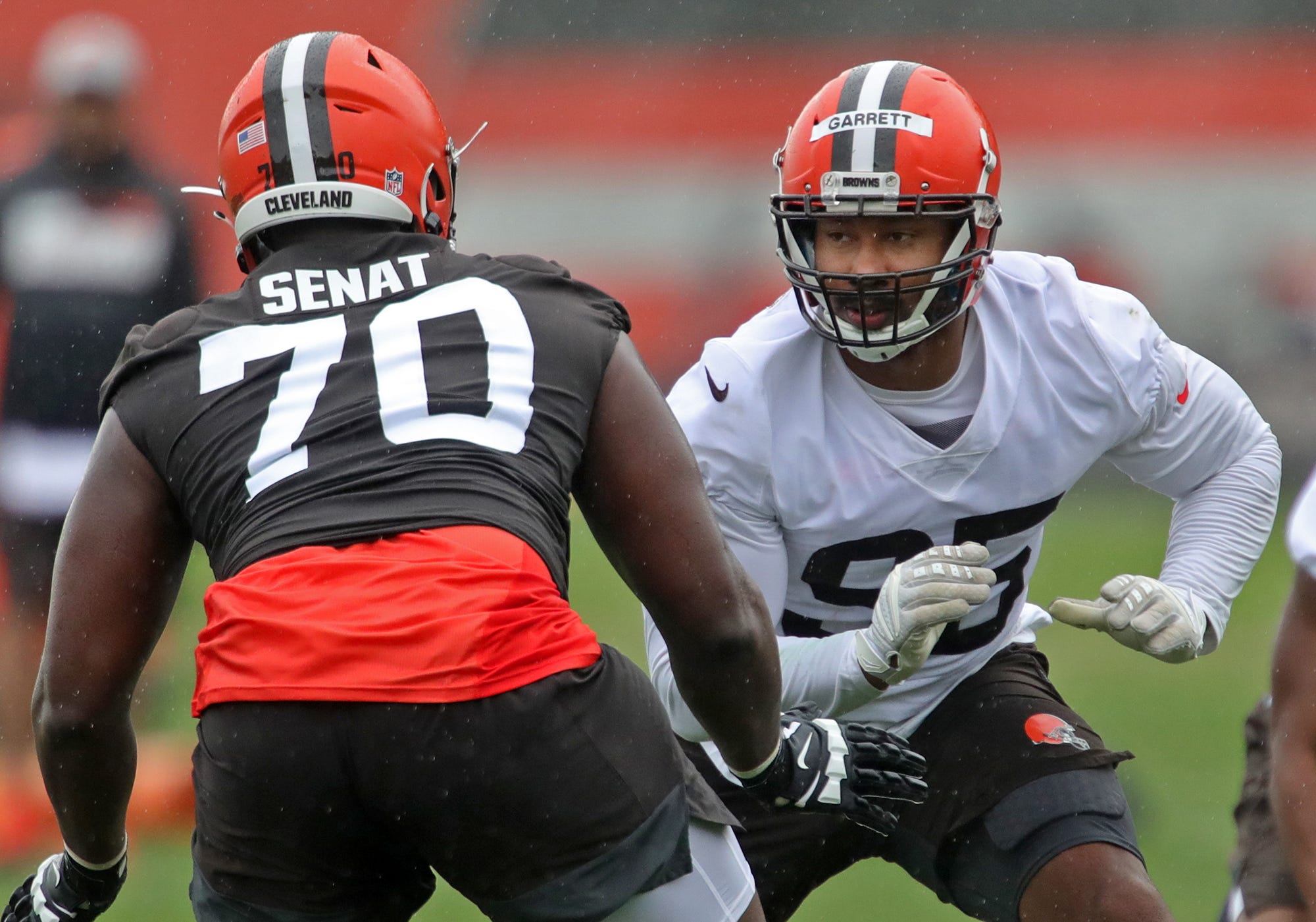 Cleveland Browns' Myles Garrett reflects on difficult COVID-19 battle, brief pickup basketball career