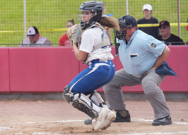 Ellwood catcher Maria Ioanilli looks to throw during the WPIAL Class 3A championship game against Mount Pleasant at California University. [Sally Maxson/For BCT]