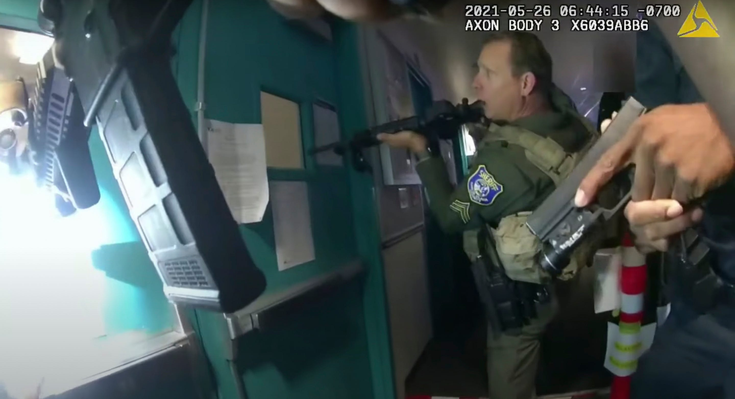 Police release dramatic body-cam video of rail yard shooting 2