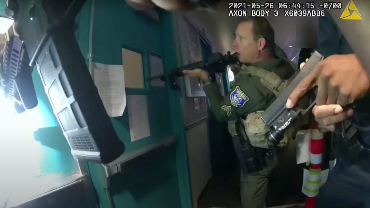 Police release dramatic body-cam video of rail yard shooting 3