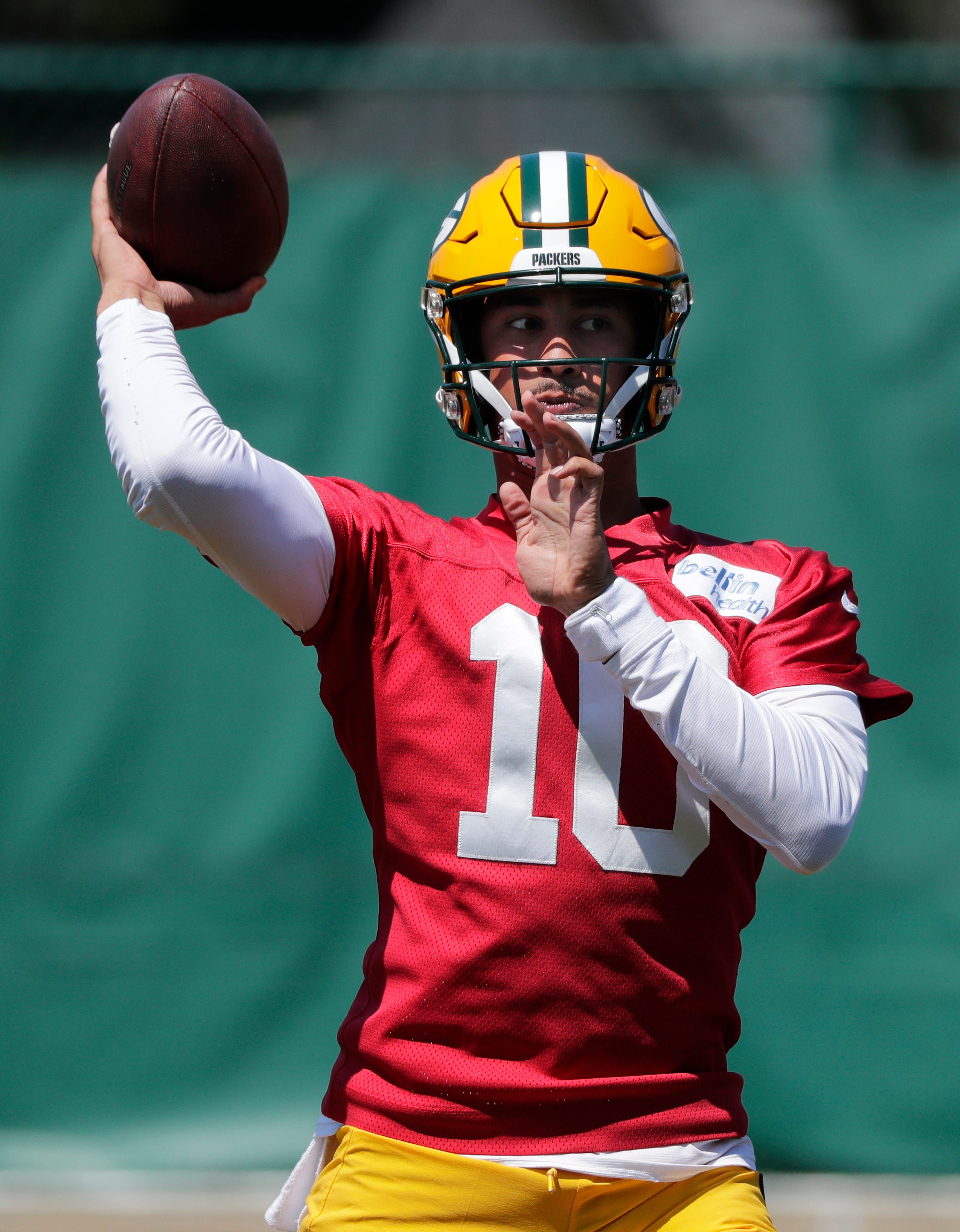 QB Jordan Love picking up Packers' offense by doing exactly what Aaron Rodgers did