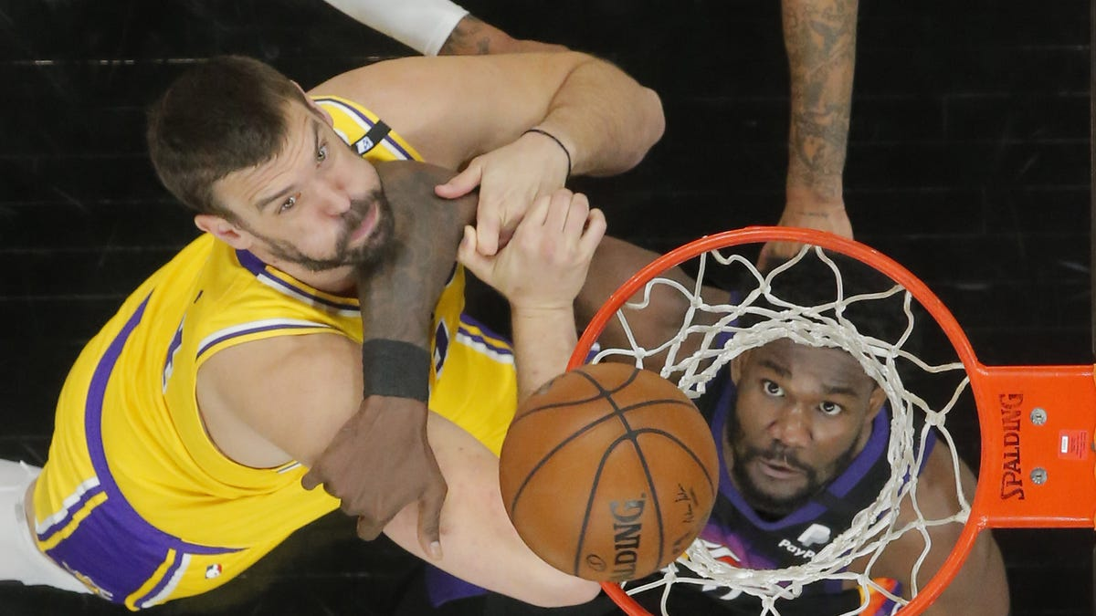 Los Angeles Lakers vs. Phoenix Suns Game 5 photos