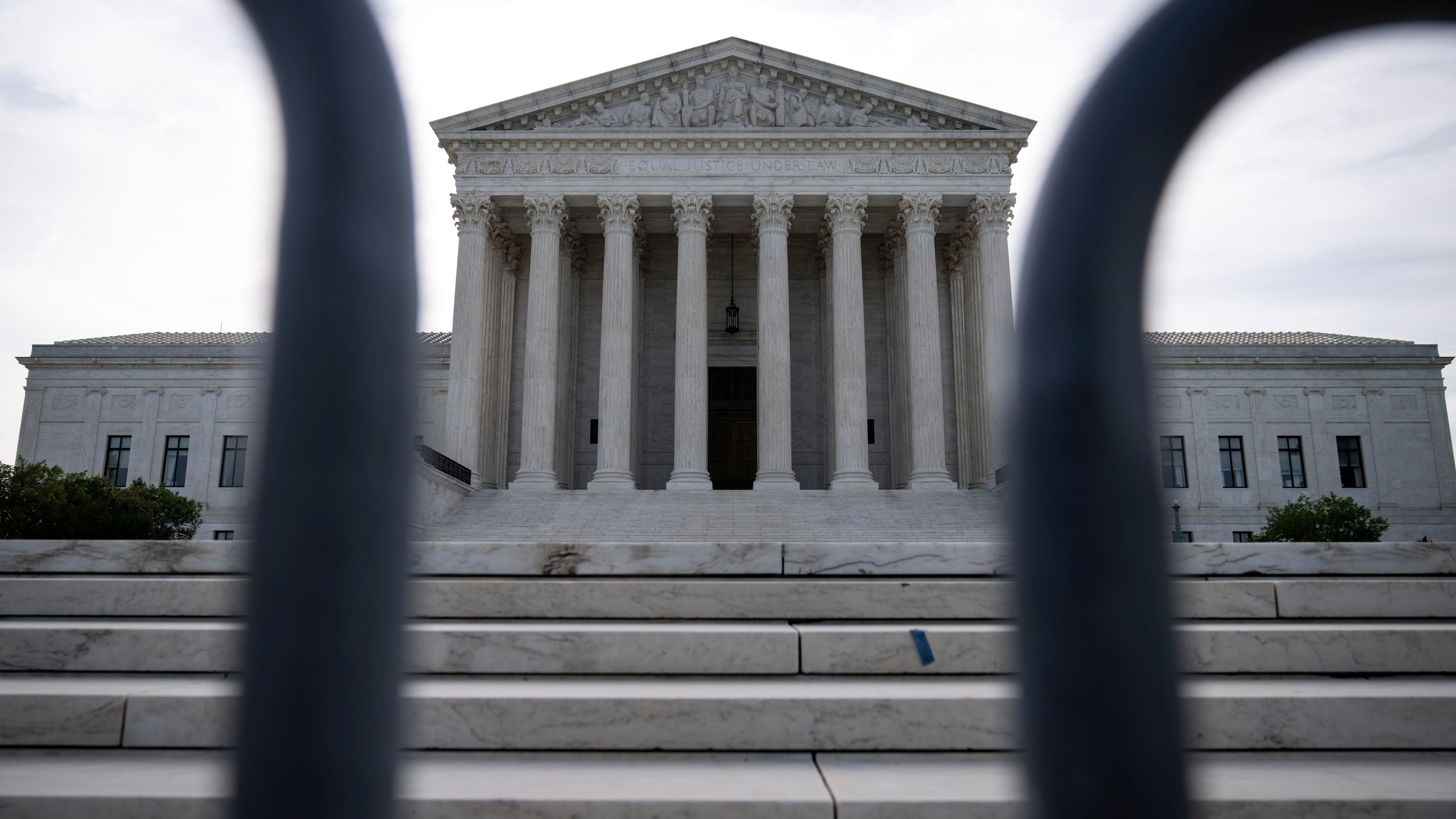 Supreme Court rejects retroactive sentence reductions for small amounts of crack cocaine