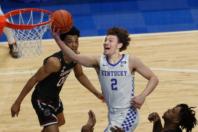 Texas guard Devin Askew, who transferred from Kentucky during the offseason, had already arrived in Austin. Now he's headed to Fort Worth to compete for a spot on the Team USA under-19 World Cup team.