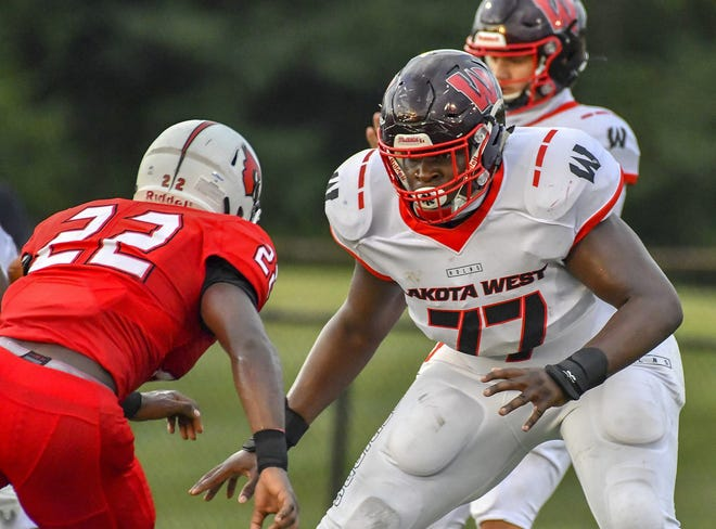 Ohio State's lone offensive line commit from the 2022 recruiting class is Tegra Tshabola, from West Chester.