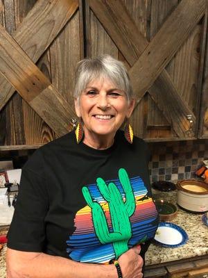 Pam Hirsch was the hostess for the Beta Mu April meeting.