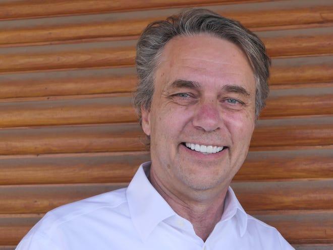 Former Gov. Jeff Colyer visits Metropolitan Coffee in Hutchinson.