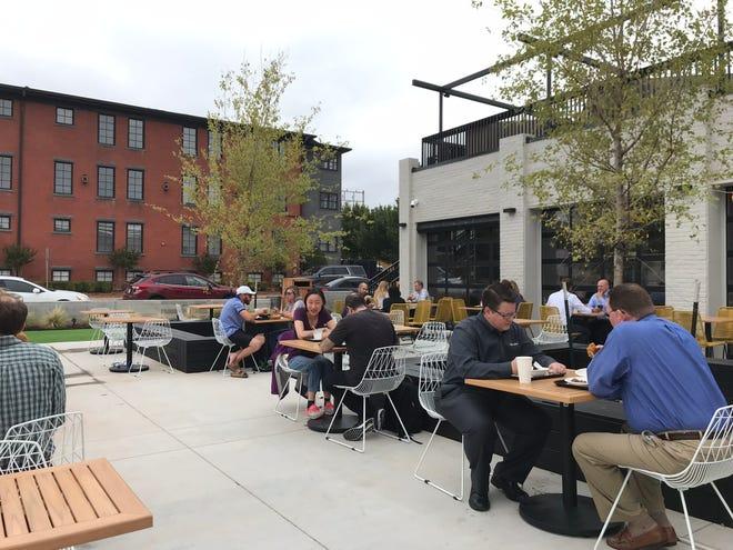 Si prevede che i pasti all'aperto diventino popolari nel 2021 intorno a 405 ristoranti in luoghi come The Collective.