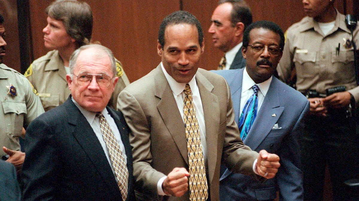 Celebrity attorney F. Lee Bailey dead at 87 3