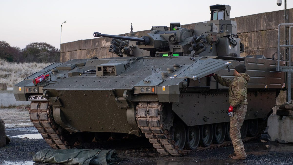 UK halts trials of new tanks that vibrate and can't go fast 3