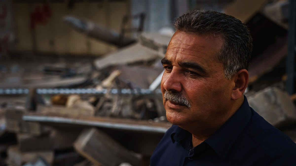 He watched 2 missiles destroy his bookshop. 'It was like I had my child in there' 3
