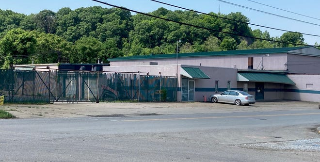 A new business marketing oil products is planned for 128 Steubenville Ave. in Cambridge, according to news delivered during the Guernsey County Community Improvement Corporation meeting. The property is owned by Will Petta of Petta Enterprises in Cambridge.