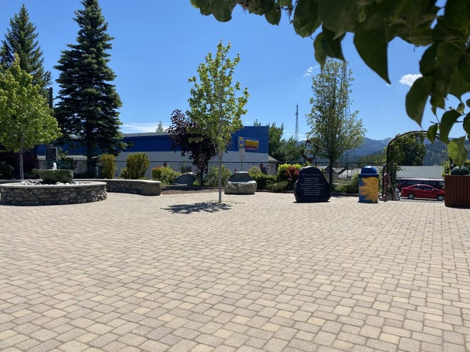Parker Plaza in downtown Mount Shasta is dedicated to the late Dr. Parker, who envisioned a community gathering place in what was once a dirt parking lot on Mt. Shasta Boulevard. This summer, the area will have a new addition: a water bottle refilling station.