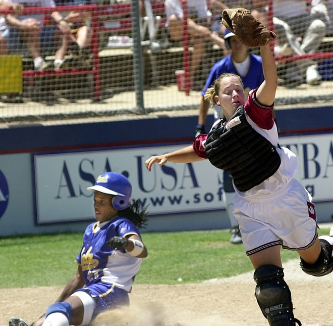 Both Oklahoma and UCLA wore shorts in the 2000 national championship game at the Women's College World Series