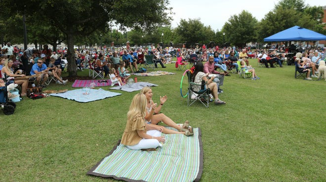 The first Live at the Plaza event drew a large crowd to Government Plaza Friday, June, 4, 2021, to hear Sonik Jones followed by The Kemistry Project. [Staff Photo/Gary Cosby Jr.]