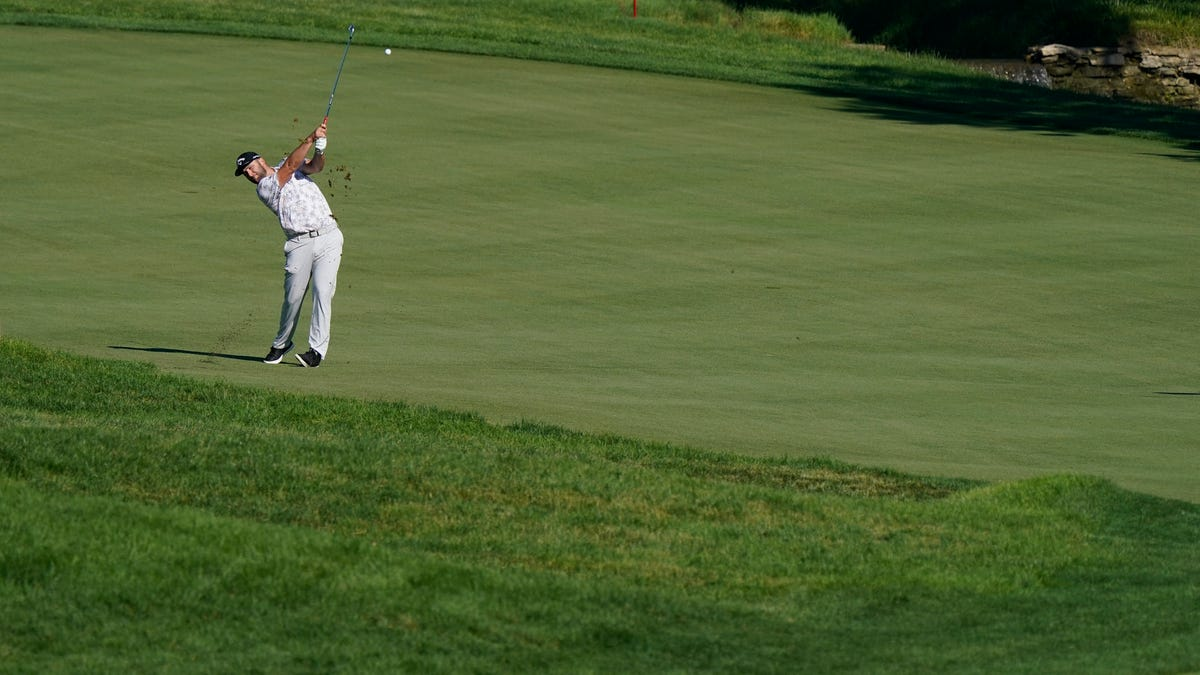 Saturday's golf: Coronavirus knocks Rahm out of Memorial after 6-shot lead 1