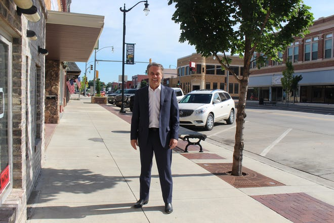 Dr. Jeff Colyer visited Pratt last week, stopping downtown to share his excitement about winning Kansas back as a gubernatorial candidate for 2022 against current Gov. Laura Kelly.