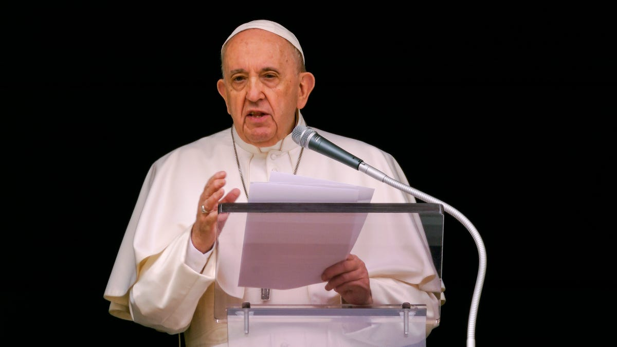 Pope voices 'pain' over Canadian Indigenous deaths, doesn't apologize 3