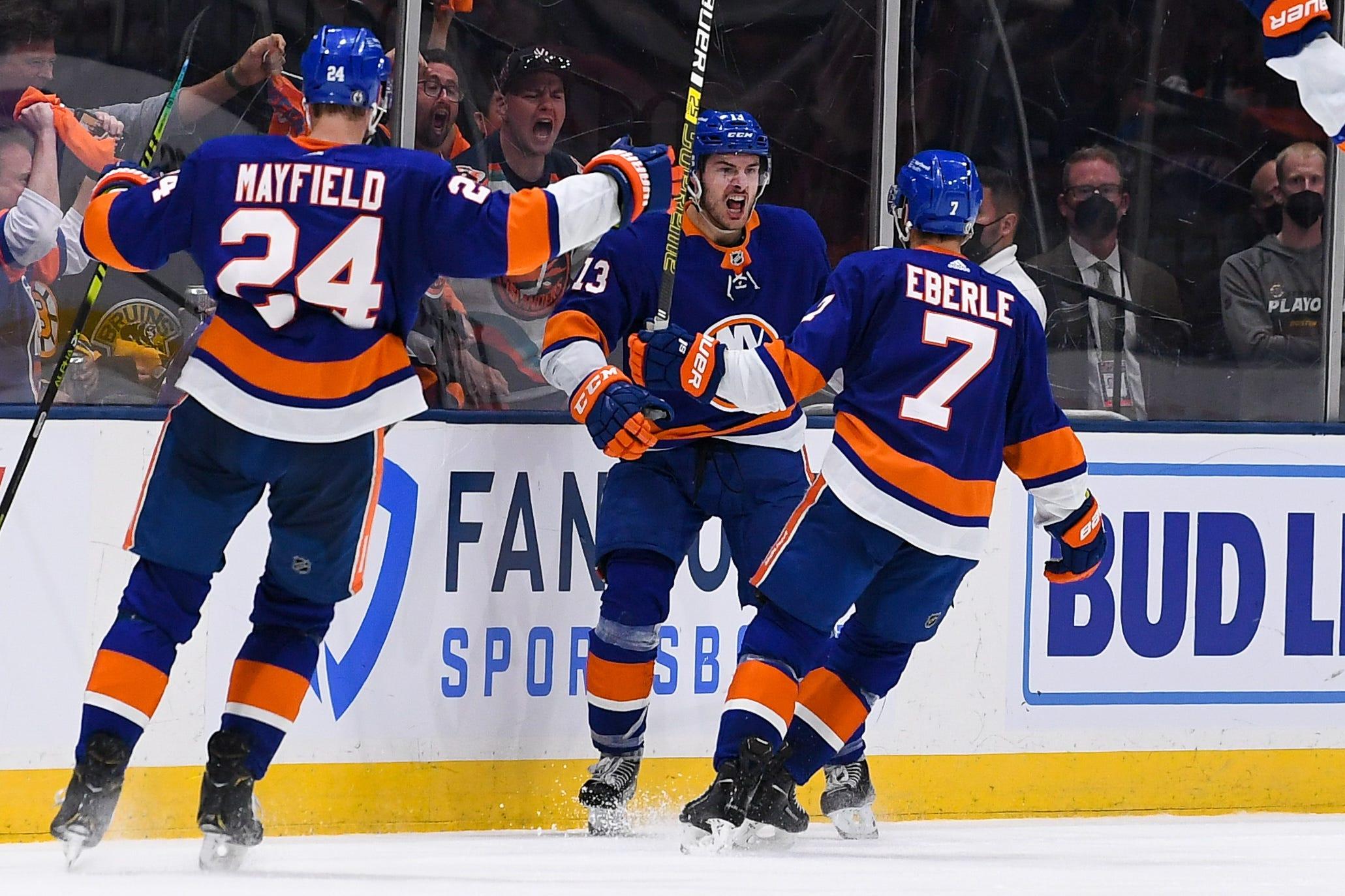 Islanders  Mathew Barzal, cheap-shotted by David Krejci earlier, scores winning goal to beat Bruins