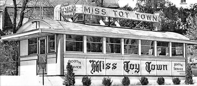 The original Miss Toy Town Diner as it appeared in Winchendon before being moved to Gardner in 1954.