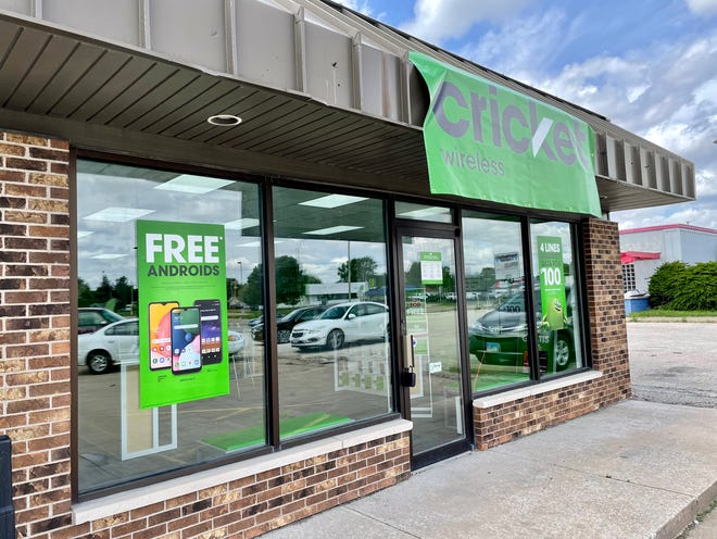 Cricket Wireless opened Friday, June 4, 2021, at 1538 N. Henderson St.
