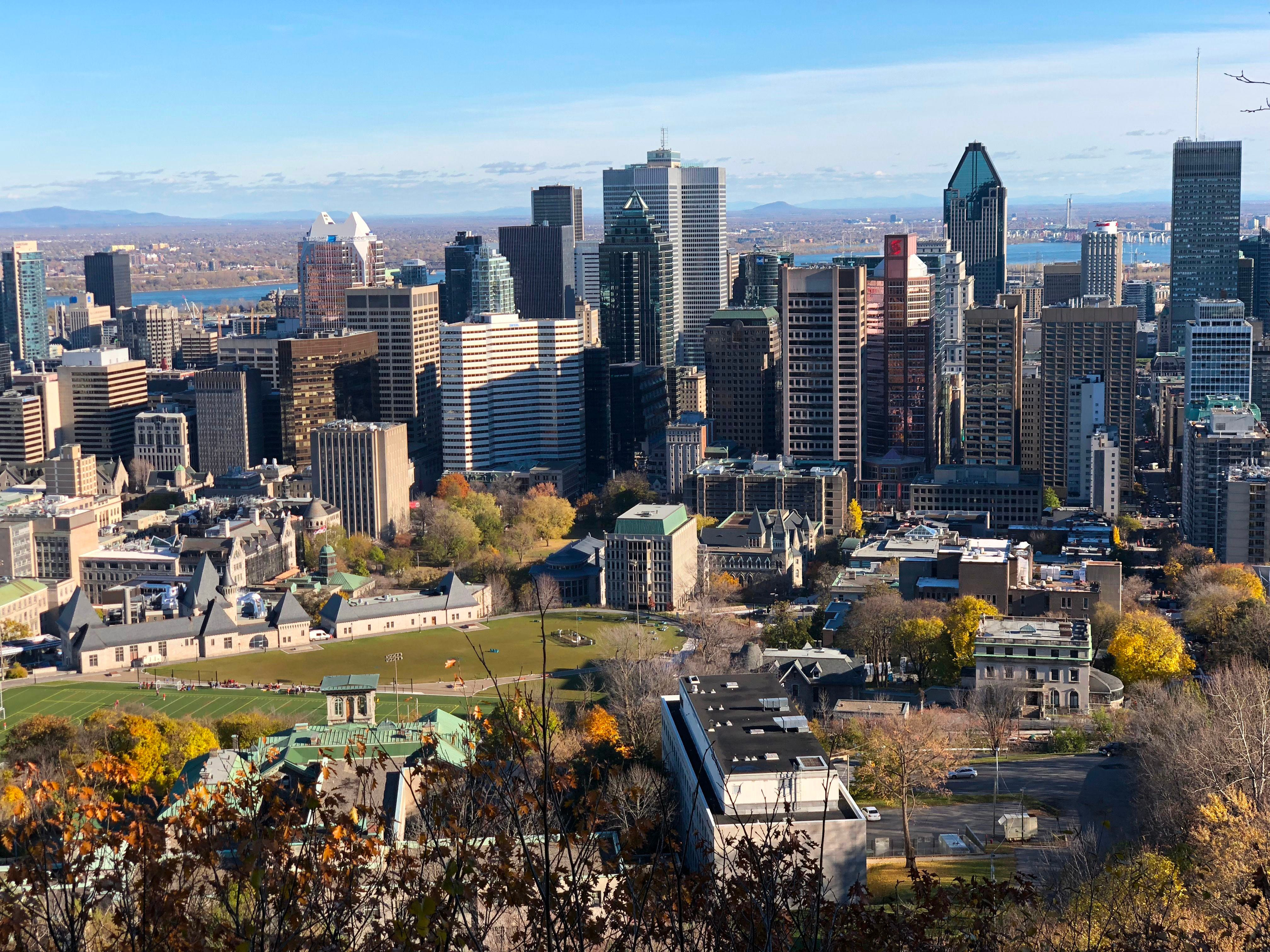 Montreal plots 'charm offensive' to lure workers downtown 2