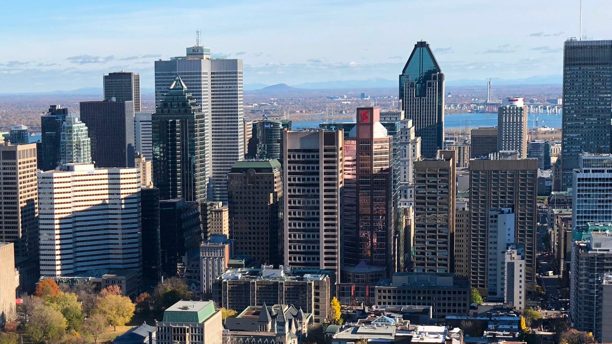 Montreal plots 'charm offensive' to lure workers downtown 3