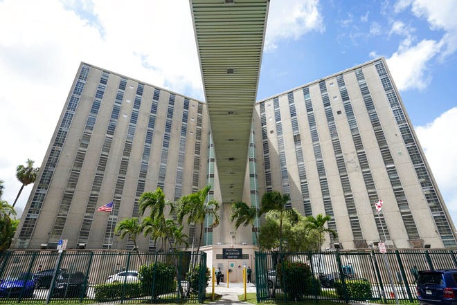 An elevated walkway leading from the Miami-Dade County Pre-Trial Detention Center to the Richard E. Gerstein Justice Building is shown, Friday, June 4, 2021, in Miami.  By the middle of 2020, the number of people in jails nationwide was at its lowest point in more than two decades, according to a new report by the Vera Institute of Justice, whose researchers collected population numbers from about half of the nation's 3,300 jails to make national estimates. But the numbers have begun creeping back up again as courts are back in session and the world begins returning to a modified version of normal. It's worrying criminal justice reformers who argue that the past year proved there is no need to keep so many people locked up in the U.S.  (AP Photo/Wilfredo Lee)