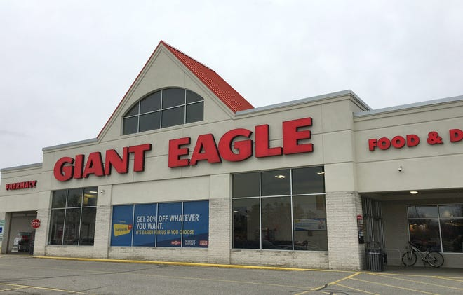 The Giant Eagle store in Girard is shown in this 2020 file photo.