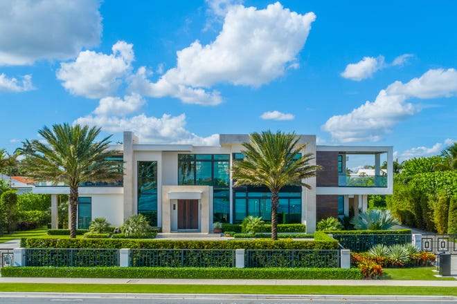Longtime Palm Beachers William and Eileen Toll have just paid about $8 million for this contemporary-style house at 6511 S. Flagler Drive. In Palm Beach, the Tolls have owned the private Tarpon Island and its 1939-era house since 1998.