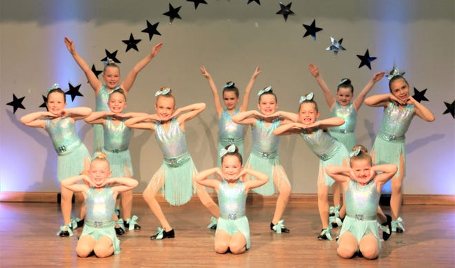 Front row, left to right: Marina Knoy, Terrin Collinsworth, Finlee Sparks; Middle row: Avery Long, Kaity Meadows, Reagan Fewell, Brynlee Whitaker, Lula Crane, Cora Crane; Back row: Lilah Knoy, Chloe Fewell, Kylie Bower.