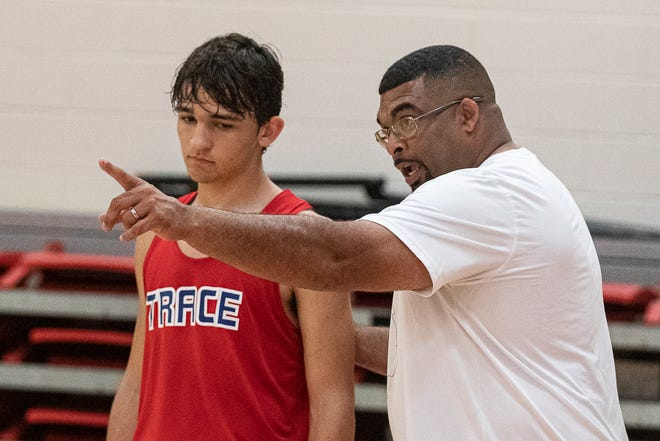 Former Zane Trace Pioneers assistant coach Pat Beard was named as the new Chillicothe boys basketball coach.