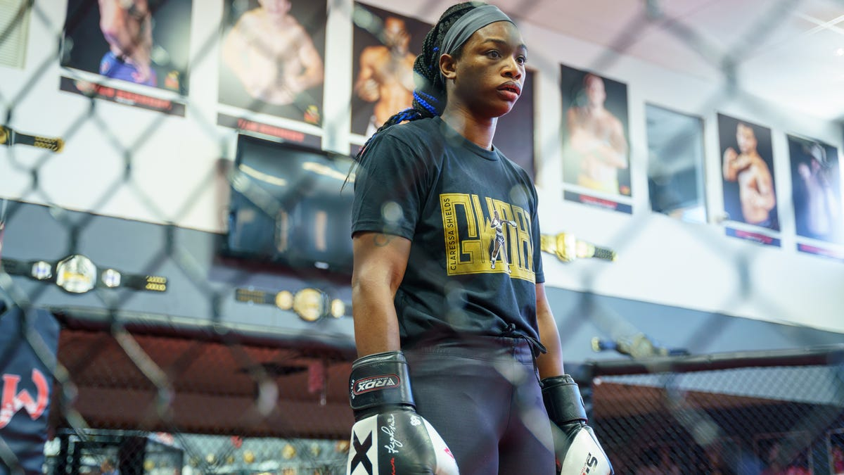 Claressa Shields has conquered women's boxing world. MMA is next. thumbnail