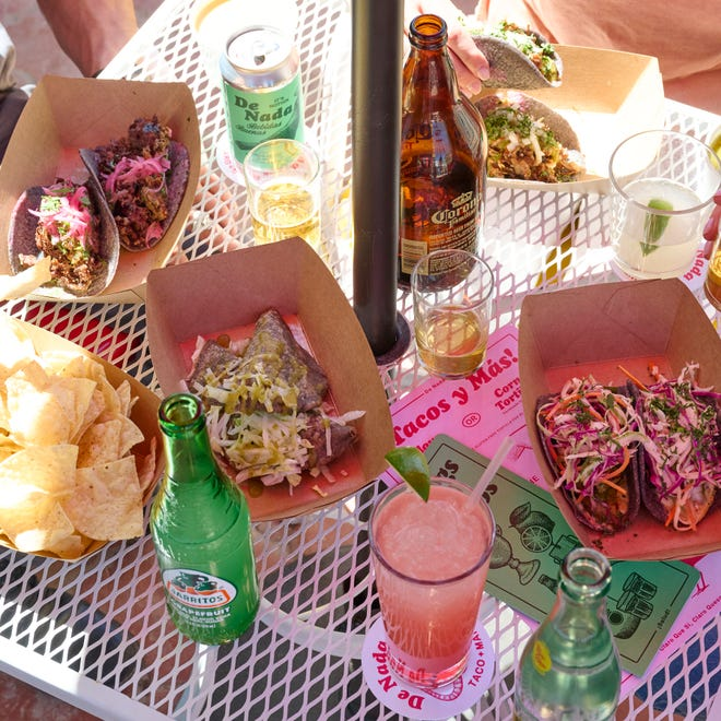 De Nada specializes in tacos and margaritas.
