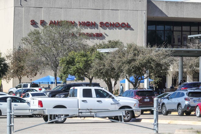 In an agreement with a former student who said Austin High School administrators blamed and silenced her after she told them a boy had sexually assaulted her, the Austinschool districtwill implement new sexual assault prevention and response training.